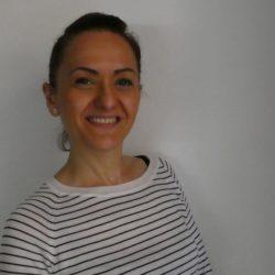 Marina Carbone<br>教師