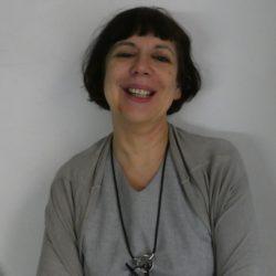 Mazzarena Cozzi<br>教師